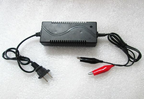 Power Adapter 13.8V 1A สำหรับ ชาร์จแบตเตอรี่ตะกั่วกรด 12V