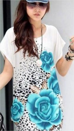 เสื้อแฟชั่น สไตล์เกาหลีเสื้อสีขาว แต่งรูปดอกสีฟ้า ทั้งหน้า-หลัง