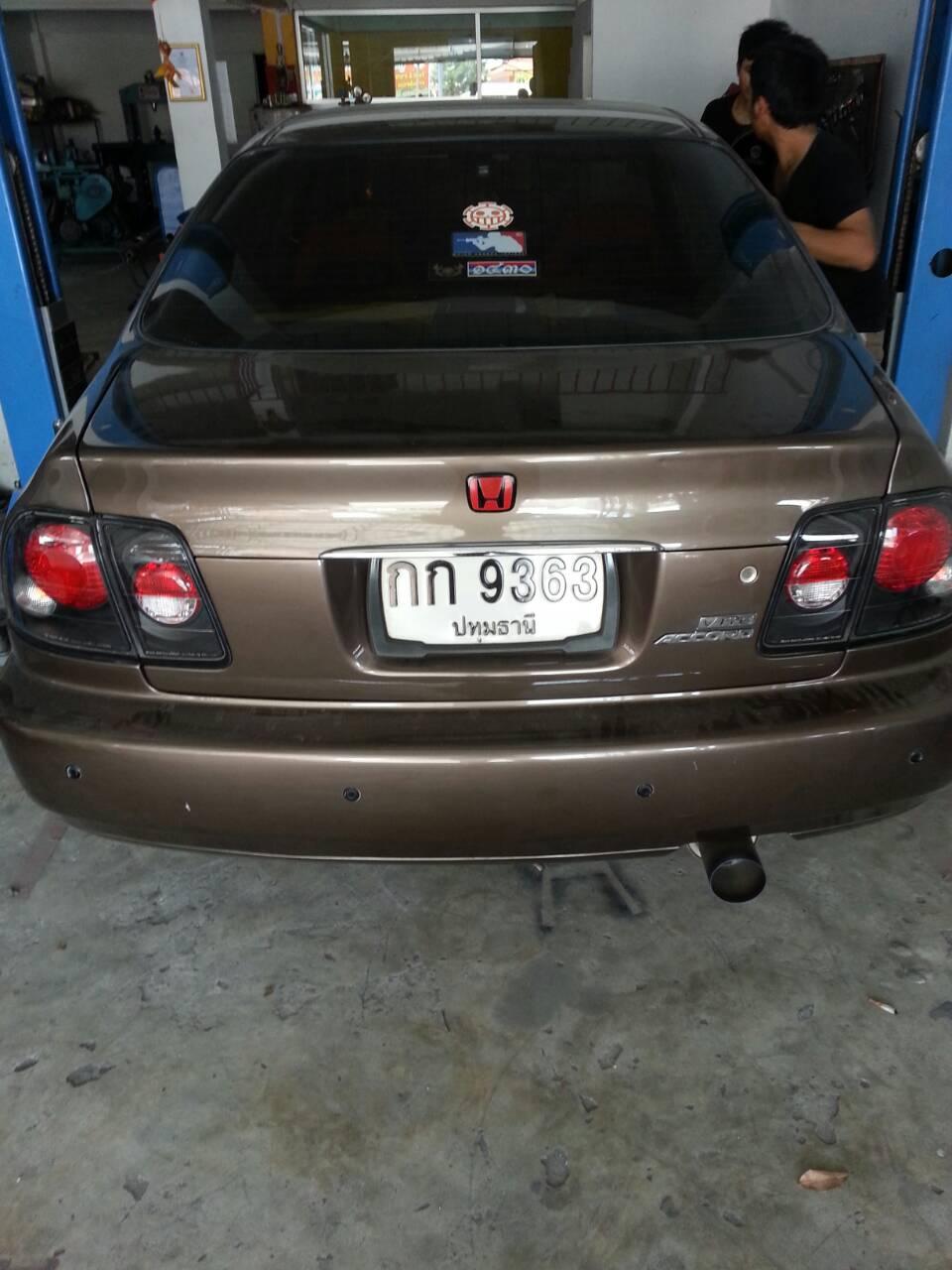 Honda Accord โฉมเก่า ชุดท่อปากตรง ปลายTitanium
