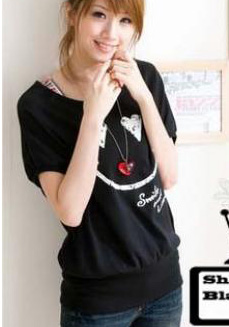 เสื้อยืดสีดำ สกรีนรอยยิ้ม Smile and Love สวยเท่ห์
