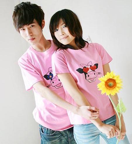 เสื้อยืดคู่รัก สีชมพู สกรีนลายวัวน่ารัก (ราคาขายเป็นคู่ค่ะ)