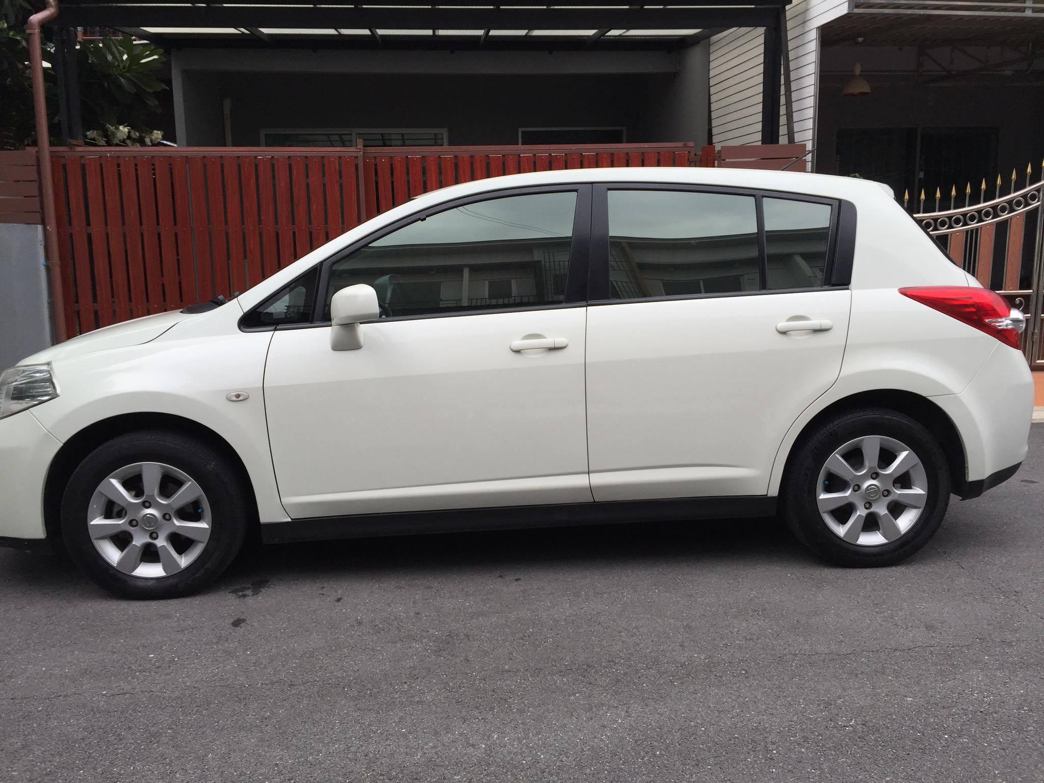 ฟรีดาวน์ Nissan Tida1.6 G 5ประตู ออโต้ สีขาวมุก รุ่นท๊อป มือแรกป้ายแดง ผ่อน 6,117x72งวด ติดแบล็กลิสสามารถจัดได้ รับเทริน์รถเก่าให้ราคาดี