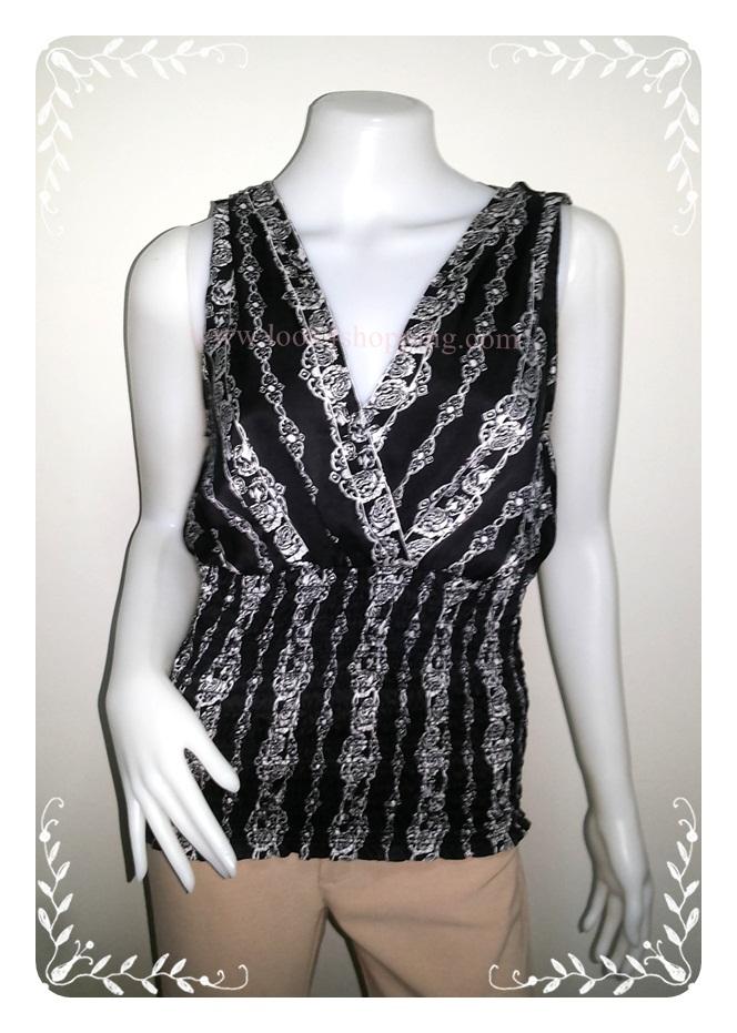 BN2668-- เสื้อผ้ามือสอง สีดำ แบรนด์ WHITE BLACK อก 35-38 นิ้ว