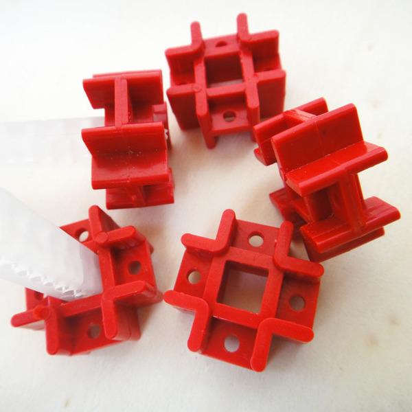 ข้อต่อพลาสติก สีแดง 7*7mm