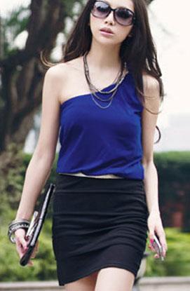 เดรสออกงาน เปิดไหล่แบบผูก เสื้อสีน้ำเงินตัดต่อกระโปรงสีดำ ระบายเป็นชั้น