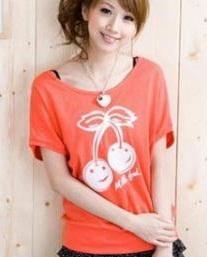 เสื้อยืดสีส้ม สกรีนลายน่ารัก ใส่ได้ทั้งแบบคอกลม หรือคอปาด สวยเปรี้ยว