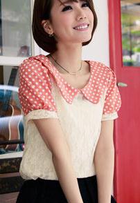 เสื้อแฟชั่น โทนสีชมพูอมส้มคอบัวลายจุดขาว ตัดต่อผ้าลูกไม้สีขาว แขนตุ๊กตา