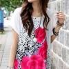 เสื้อแฟชั่น เสื้อสีขาว แต่งรูปดอกสีชมพู ทั้งหน้า-หลัง
