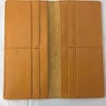 SB0034 กระเป๋าสตางค์ใบยาว หนังแท้ มือหนึ่งค้างสต็อก สีน้ำตาลเหลือง