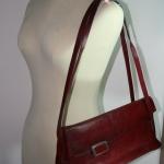 กระเป๋าหนังแท้ VERSO สีแดง สภาพปานกลาง