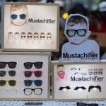 ภาพบรรยากาศ ออกร้านแว่นกันแดดเด็กสุดเท่ห์ Mustachifier Thailand with Nylon festival