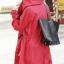 เสื้อคลุม มีฮู้ด สีแดง เชือกรูดดึงที่เอว กระเป๋าสองข้าง thumbnail 2