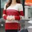 Sweater เสื้อกันหนาวแขนยาวลายขวาง แถบใหญ่ สีแดงสลับขาวครีม แขนแต่งฉลุ น่ารัก thumbnail 7