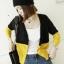 เสื้อคลุมทูโทน สีเหลืองสลับดำ ผ่าหน้าติดกระดุม thumbnail 1