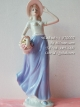 ตุ๊กตาแต่งบ้านวินเทจ หญิงสาวถือตะกร้าดอกไม้