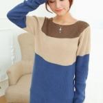 Sweater เสื้อกันหนาว แขนยาว โทนน้ำเงินตัดต่อสีครีมคอน้ำตาล ตัวยาว