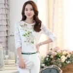 [หมด]เสื้อไสตล์เกาหลี ดีเทลผ้าพื้นสีขาวพิมพ์ลายดอกไม้ ต่อแขนเสื้อผ้าลูกไม้ เพิ่มรายละเอียดด้วยคริสตัลและลูกปัดที่ลายดอก งานละเอียด ตัดเย็บเรียบร้อย สวยค่ะรหัสMN23