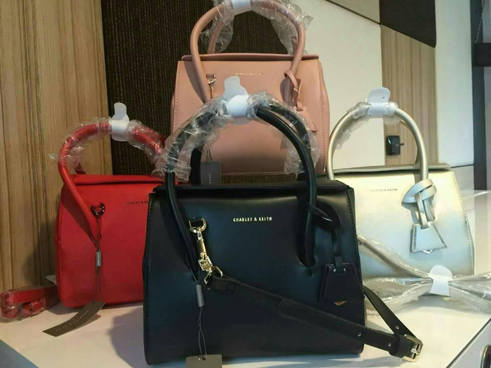 d9e1a63911b9 NEW Arrival! CHARLES   KEITH MAGNETIC CLOSURE CITY BAG 2016 - HERO ...