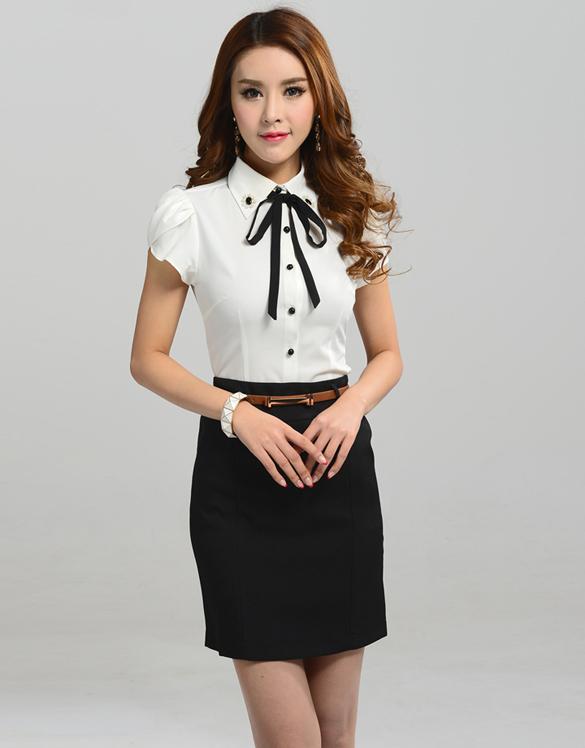 [พร้อมส่ง] เสื้อแฟชั่นสตรี ปกประดับกระดุมเม็ดสวยและมุก มีโบว์เก๋สวยมากค่ะ รหัส A11