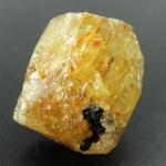▽Yellow Apatite อพาไทต์สีเหลือง กับแมกนีไทต์ มี iron oxide แทรก(4.4g)
