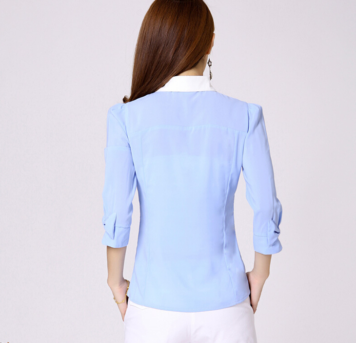 เสื้อลูกไม้สีฟ้า