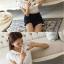 [พร้อมส่ง] เสื้อผ้าชีฟองสีขาวคอวี ปักฉลุลายลูกไม้และจับจีบระบายช่วงคอและหลัง thumbnail 4